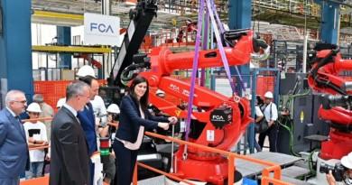 Mirafiori presentata la linea della 500 elettrica, potrà produrre 80 mila vetture l'anno – La Repubblica