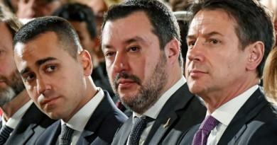"""Governo,  Lega: """"Ora il voto"""". Conte da Mattarella. Vertice fra il premier e Salvini. Anche Di Maio a Palazzo Chigi. Fico e Casellati al Quirinale /Livetweet"""