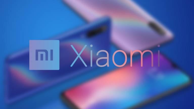 Xiaomi brevetta uno smartphone pieghevole simile a Motorola RAZR
