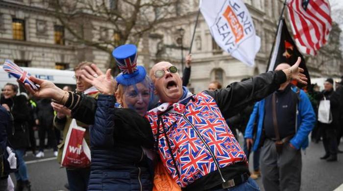 Brexit, cosa cambia dal 2021. Dal passaporto alle tasse universitarie: le novità