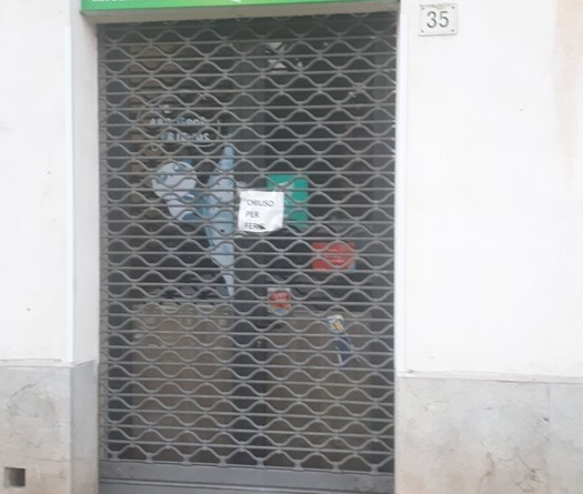 Paura per virus, cinesi chiudono negozi