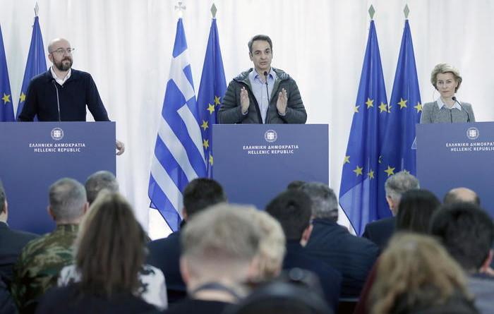 Migranti: Atene, Turchia viola intesa Ue