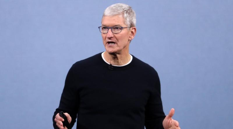 Coronavirus: il CEO di Apple Tim Cook incoraggia il lavoro da casa