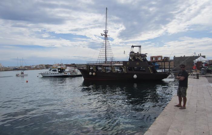 Migranti: in 26 sbarcano a Lampedusa