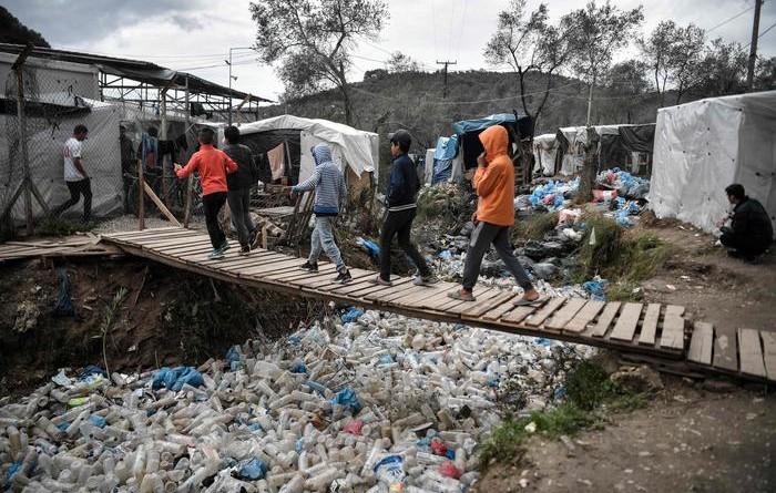 Migranti: Grecia, incendio a campo Moria