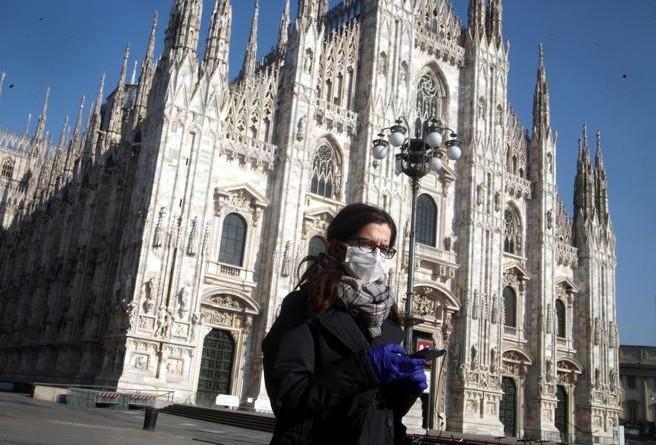 Coronavirus Lombardia, obbligatorie le mascherine: la nuova ordinanza del governatore Fontana
