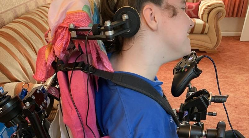 Ragazza disabile gioca ad Animal Crossing New Horizons grazie all'Xbox Adaptive Controller
