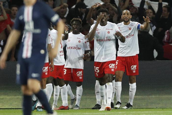 Coronavirus: Calcio; suicida medico Stade Reims