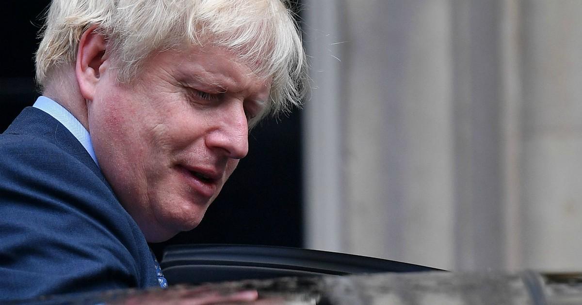 """Coronavirus, Boris Johnson ricoverato in ospedale """"per accertamenti"""""""